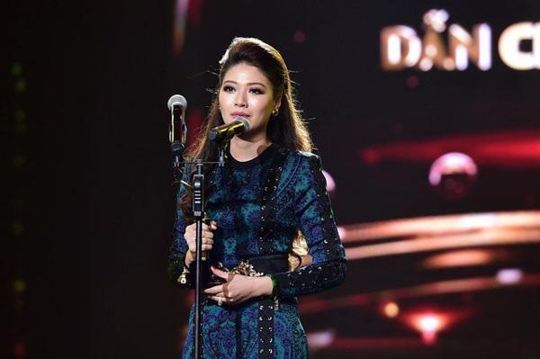 """Tại VTV Awards 2016, BTV Ngọc Trinh cũng đã giành giải thưởng """"Người dẫn chương trình ấn tượng""""."""
