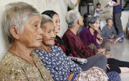 Việt Nam có tốc độ già hóa dân số nhanh nhất thế giới - 1