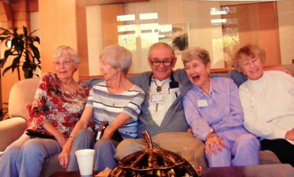 """Ngay cả ở viện dưỡng lão, các """"tay chơi"""" lớn tuổi vẫn cho thấy đẳng cấp của mình."""