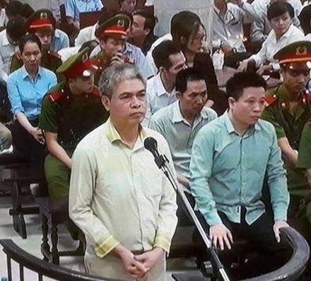 Cựu Chủ tịch HĐTV PVN Nguyễn Xuân Sơn đang hầu toà với hai tội danh.