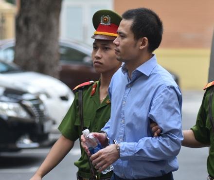 Luật sư mong HĐXX lượng hình phạt, tuyên phạt thân chủ Nguyễn Xuân Thắng bằng thời gian tạm giam và trả tự do cho Thắng ngay tại toà.