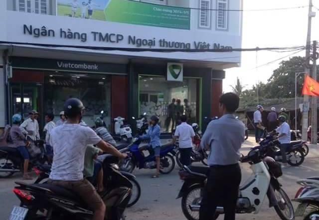 Hiện trường xảy ra vụ cướp ngân hàng (ảnh CTV)