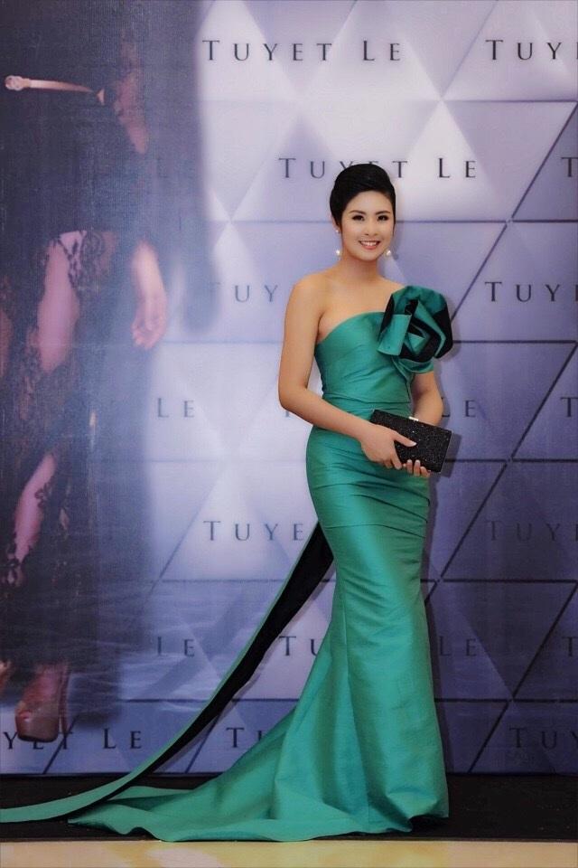 Hoa hậu Ngọc Hân trong trang phục của NTK Tuyết Lê