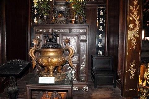 Những vật dụng hàng trăm năm tuổi và vô giá trong khu nhà cổ của đại gia Đà Nẵng