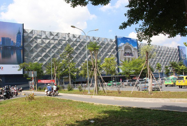 Nhà giữ xe 5 tầng trong sân bay Tân Sơn Nhất tăng giá vé từ ngày 1/12