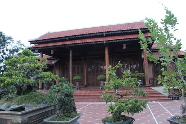 Căn nhà gỗ của ông Khổng Trung gây sự chú ý của dư luận