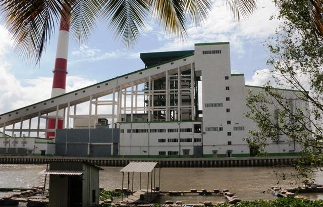 Nhà máy giấy Lee & Man Hậu Giang nằm cạnh sông Hậu