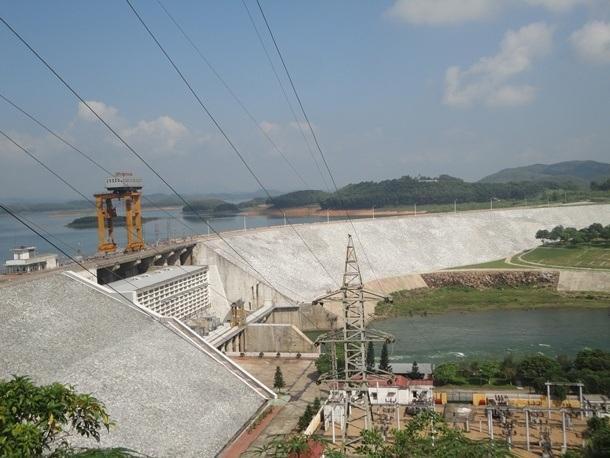 Nhà máy Thủy điện Thác Bà (Ảnh internet).