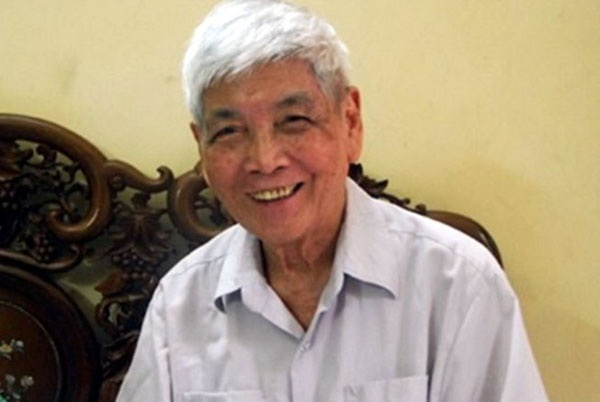 Nhà thơ Trần Việt Phương qua đời sáng 6/5 tại Hà Nội.