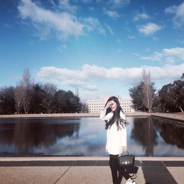 Cô thường xuyên có những chuyến du lịch tới khắp nơi trên thế giới.