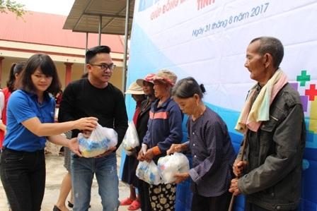 500 bà con diện khó khăn đã được thụ hưởng từ chương trình từ thiện
