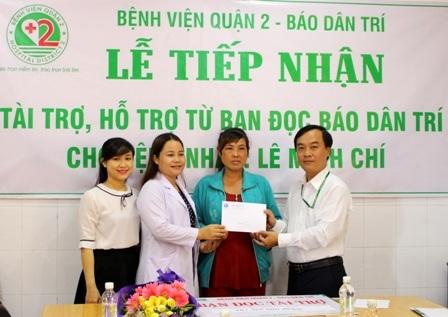 Công đoàn bệnh viện cũng quyên góp hỗ trợ mẹ con bà Leo