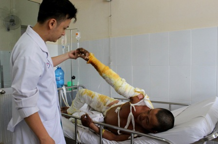 BS Khoa e ngại nguy cơ nhiễm trùng sẽ đe dọa sinh mạng nếu người bệnh không đủ điều kiện chữa trị