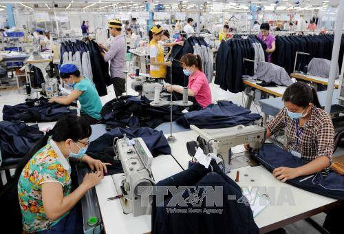 Dệt may là một trong số ngành cần tuyển nhiều lao động. Ảnh: An Hiếu/TTXVN