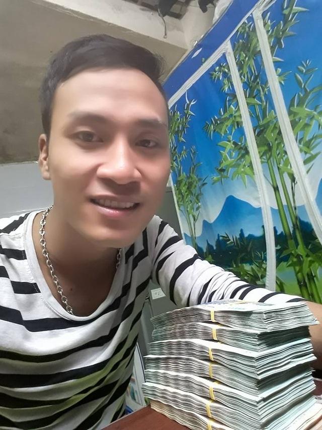 Nam sinh Vũ Huy Cảng trả lại 320 triệu đồng cho người bỏ quên