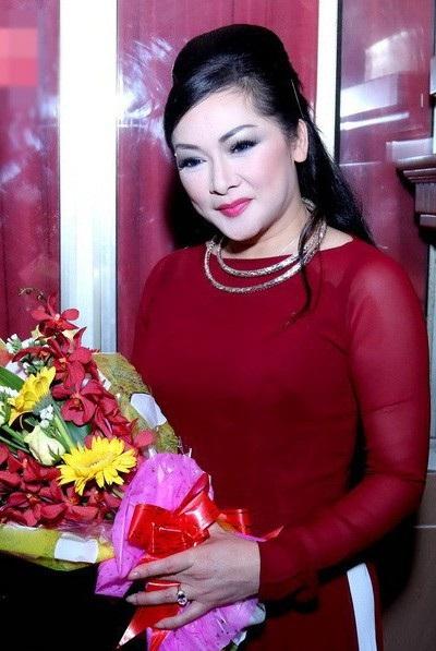 Hình ảnh gần nhất Như Quỳnh khiến nhiều người ngưỡng mộ bởi cô vẫn giữ được nét đẹp mặn mà, dịu dàng không khác biệt nhiều so với trước đây.