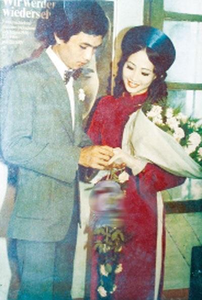 Đám cưới của nữ diễn viên Như Quỳnh và nhiếp ảnh Hữu Bảo nổi tiếng phố cổ Hà Nội.