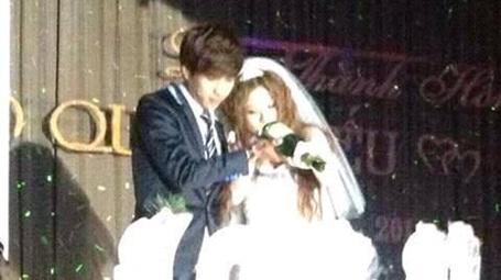 Hình ảnh đám cưới của Hồ Quang Hiếu với hot girl từng khiến công chúng ngỡ ngàng.