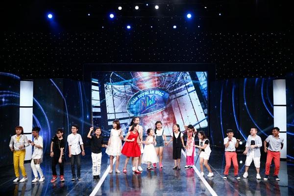 Giám khảo nghẹn ngào khi cô bé khiếm thị hát về mẹ - 6