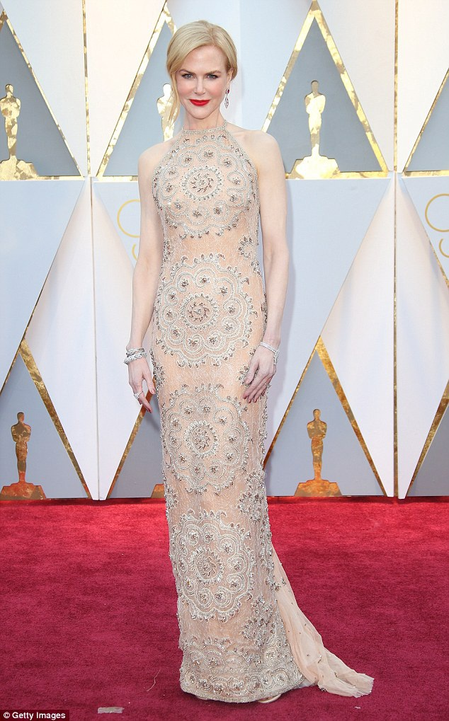Nicole Kidman tại lễ trao giải Oscar 2017, tháng 2/2017.
