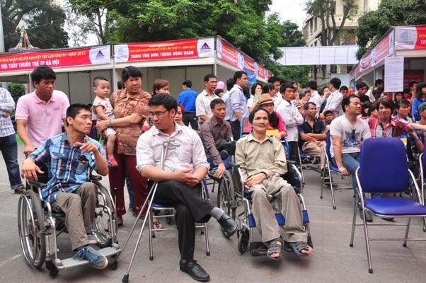 Người khuyết tật cần trợ giúp từ nhiều phía - 1