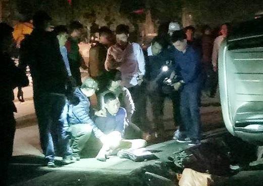 Nghi phạm cùng tang vật sau khi phóng xe bỏ chạy đã bị bắt giữ. Ảnh: Facebook.
