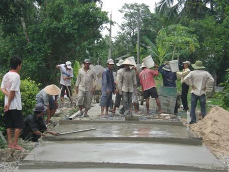 Xây dựng nông thôn mới (ảnh: Huỳnh Hải)