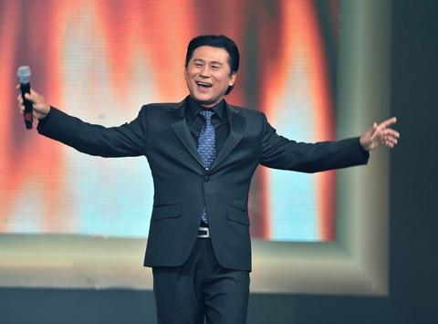 NSƯT Tạ Minh Tâm là một trong những nghệ sĩ thể hiện thành công những ca khúc nhạc đỏ