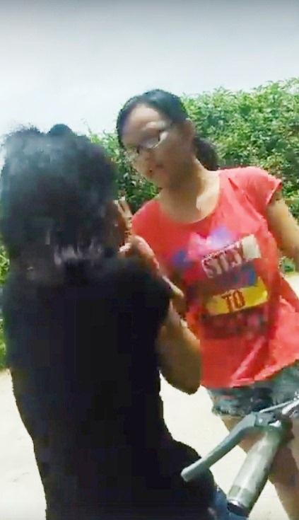 Bước đầu Phòng Giáo dục & Đào tạo Thành phố Huế đã xác định đây là 1 nữ sinh của trường THCS Huỳnh Thúc Kháng như cư dân mạng thông tin