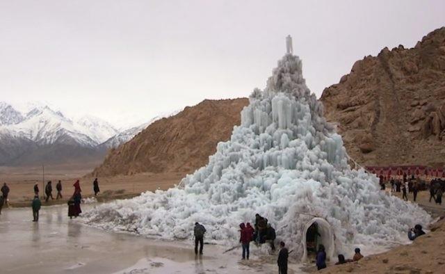 Ấn Độ xây dựng tháp băng nhân tạo giữa sa mạc - 6