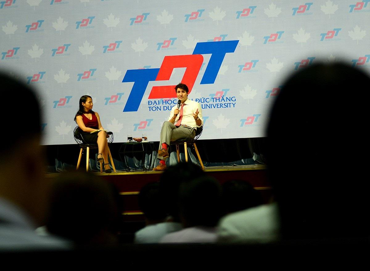 Buổi nói chuyện của ông được hơn 1500 sinh viên theo dõi