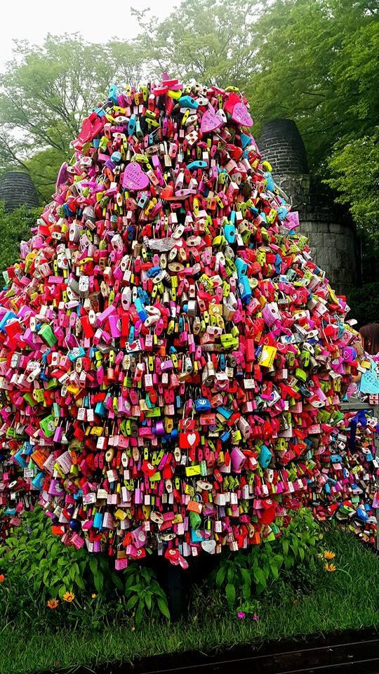 """Ngỡ ngàng trước hàng triệu """"ổ khoá tình yêu"""" ở Hàn Quốc - 2"""