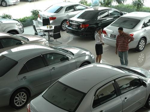 Số lượng xe cũ khá phong phú và đa dạng, giá cả hợp lý.