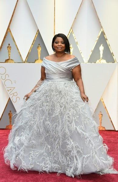 Octavia Spencer - đề cử cho vai nữ phụ xuất sắc nhất. Cô diện váy của Marchesa