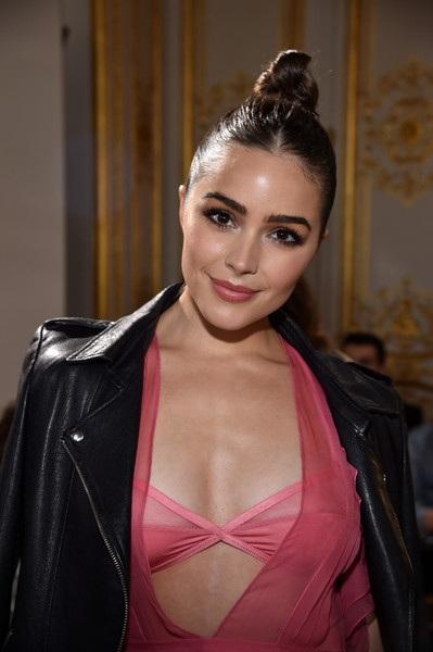 Cô hiện là MC, fashionista nổi tiếng tại Hollywood