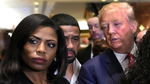 Omarosa Manigault (trái), một ngôi sao truyền hình thực tế, sẽ làm việc tại Nhà Trắng trong chính quyền của ông Trump (Ảnh: AP)