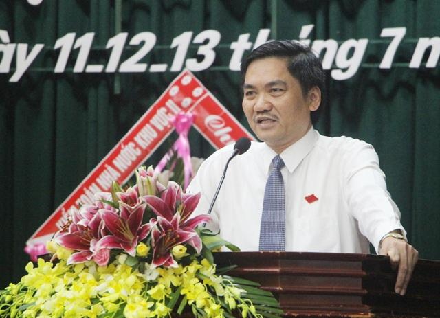 Ông Hoàng Nghĩa Hiếu - Giám đốc Sở NN&PTNT Nghệ An trả lời chất vấn tại kỳ họp thứ 4, HĐND tỉnh Nghệ An khóa XVII