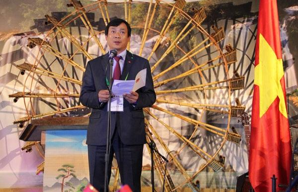 Phát biểu tại lễ khai mạc Nhà Triển lãm Việt Nam, ông Nguyễn Trùng Khánh - Cục trưởng Cục Hợp tác quốc tế, Bộ Văn hóa, Thể thao và Du lịch, Tổng đại diện Nhà Triển lãm Việt Nam tại EXPO 2017 nêu bật ý nghĩa và chủ đề của Nhà Triển lãm Việt Nam.
