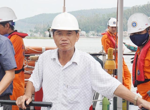 Ông Lê Văn Cách thông tin về việc tìm kiếm trong các khoang tàu VTB26