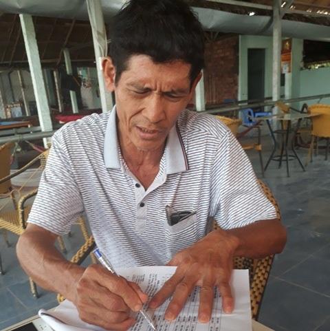 Ông Lương Văn Kha - một người dân có đất bị lấy trong dự án