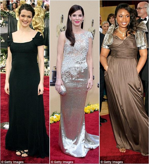 Rachel Weisz (trái) trang nhã trong bộ đầm đen hồi năm 2006; Sandra Bullock (giữa) khoe vẻ thon gọn của đôi tay năm 2010; Jennifer Hudson (phải) diện một chiếc áo khoác nhỏ làm giảm đi sự gợi cảm của bộ đầm hồi năm 2007.