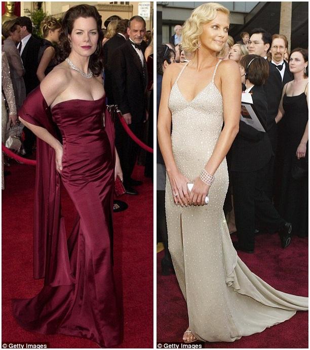 Marcia Gay Harden (trái) hồi năm 2001; Charlize Theron (phải) hồi năm 2004; cả hai người đẹp đều diện váy ôm dáng với phần đuôi dài thướt tha.