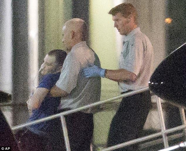 Warmbier được thả về nước trong tình trạng hôn mê. (Ảnh: AP)