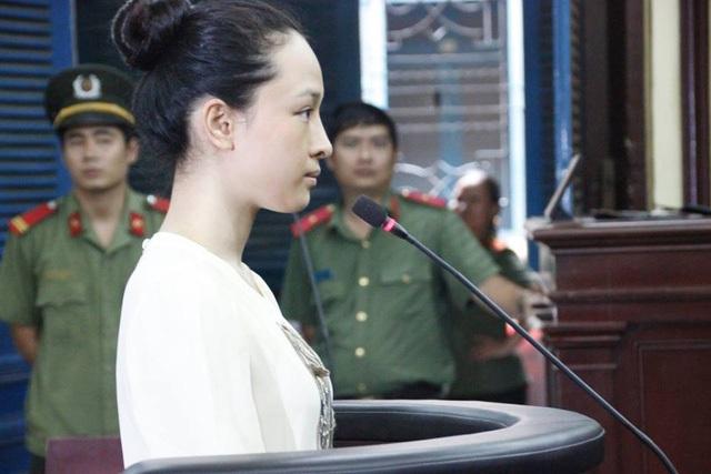 Hoa hậu Phương Nga tại phiên tòa sơ thẩm.
