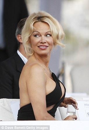 Cô đã tham gia nhiều hoạt động tại LHP Cannes năm nay