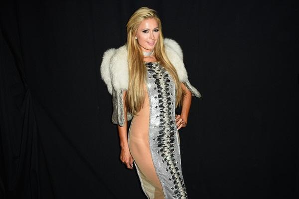 Paris Hilton luôn là quý cô độc thân quyến rũ nổi tiếng nước Mỹ