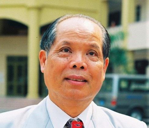 PGS.TS Bùi Hiền là một nhà giáo có gần 30 năm công tác giảng dạy Tiếng Nga - người đưa ra đề xuất cải tiếng tiếng Việt.