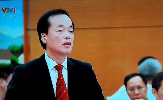 ... và Bộ trưởng Xây dựng Phạm Hồng Hà cùng hợp lực trả lời câu hỏi về nhà 8B Lê Trực.