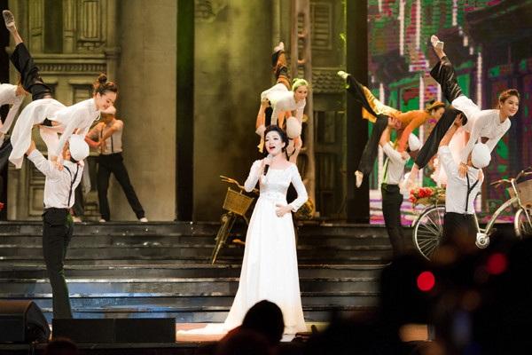 Phạm Thu Hà được ví là Họa mi bán cổ điển của làng nhạc Việt.