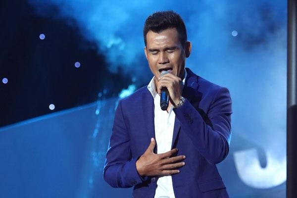 Phan Thanh Bình hát Người đi ngoài phố đầy tâm trạng...